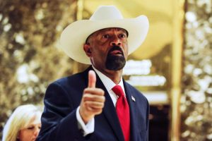 FOX's Sheriff Clarke accused of plagiarism in his Master's thesis (nydailynews.com)
