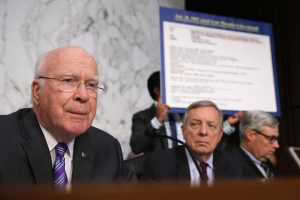 Sen. Patrick Leahy exposes Brett Kavanaugh's complicity in e-mail theft (threadreaderapp.com)