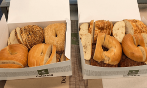 Food crime! New Yorkers horrified as bagels are sliced like bread! (theguardian.com)